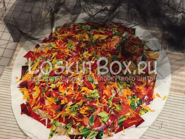 Третий слой пиццы - черная органза (тюль, сетка)