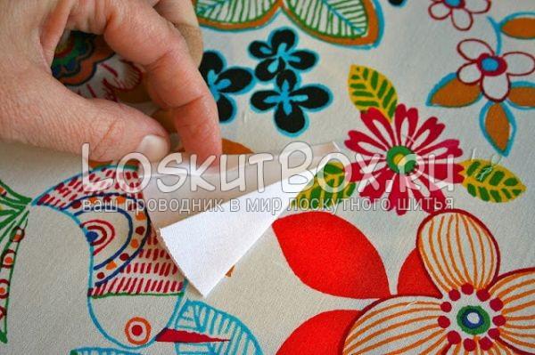 пальцы сгибают ткань