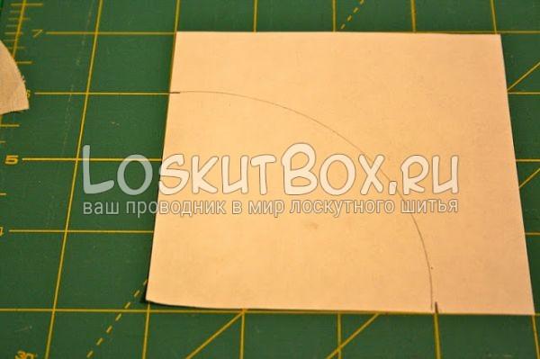 бумага на рабочей поверхности