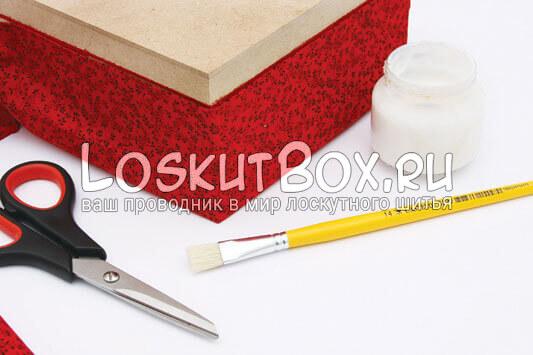 Обклеиваем основание коробки