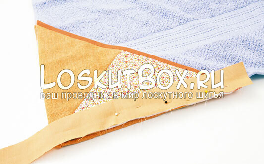 соединяем уголок с пляжным полотенцем