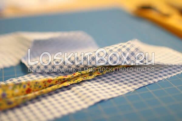 вставьте завязки и прикрепите к изделию боковую часть