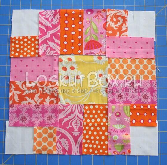 Добавленные к полученному кресту фоновые квадраты белого цвета и полосы вокруг этих квадратов белого и розового цвета.