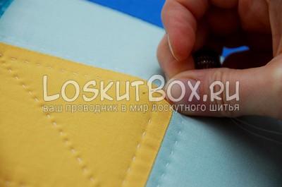 Нанизывание ткани на иглу