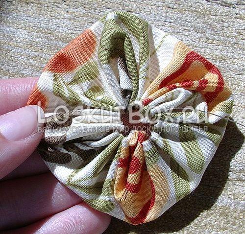 Квадратное йо-йо в лоскутном шитье