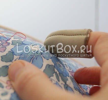 ручная стежка лоскутного одеяла: делаем первый шов